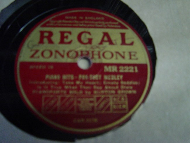 Burton Brown - Piano Hits - Regal MR.2221 Mint Minus