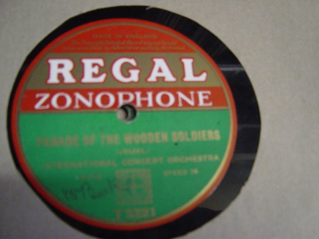 International Concert Orchestra - Lazy Pete - Regal T.5221
