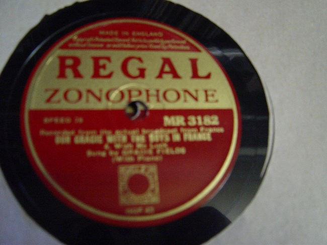 Gracie Fields - With the Boys in France - Regal MR.3182