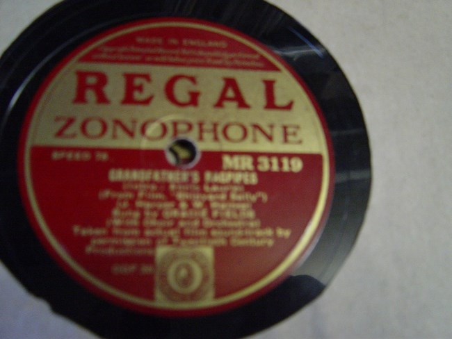 Gracie Fields - Grandfathers Bagpipes - Regal MR.3119
