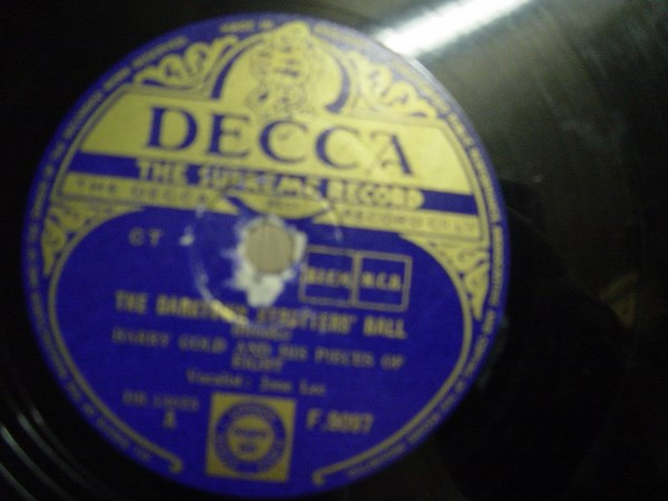 Harry Gold - The Darktown Strutters Ball - Decca F.9097