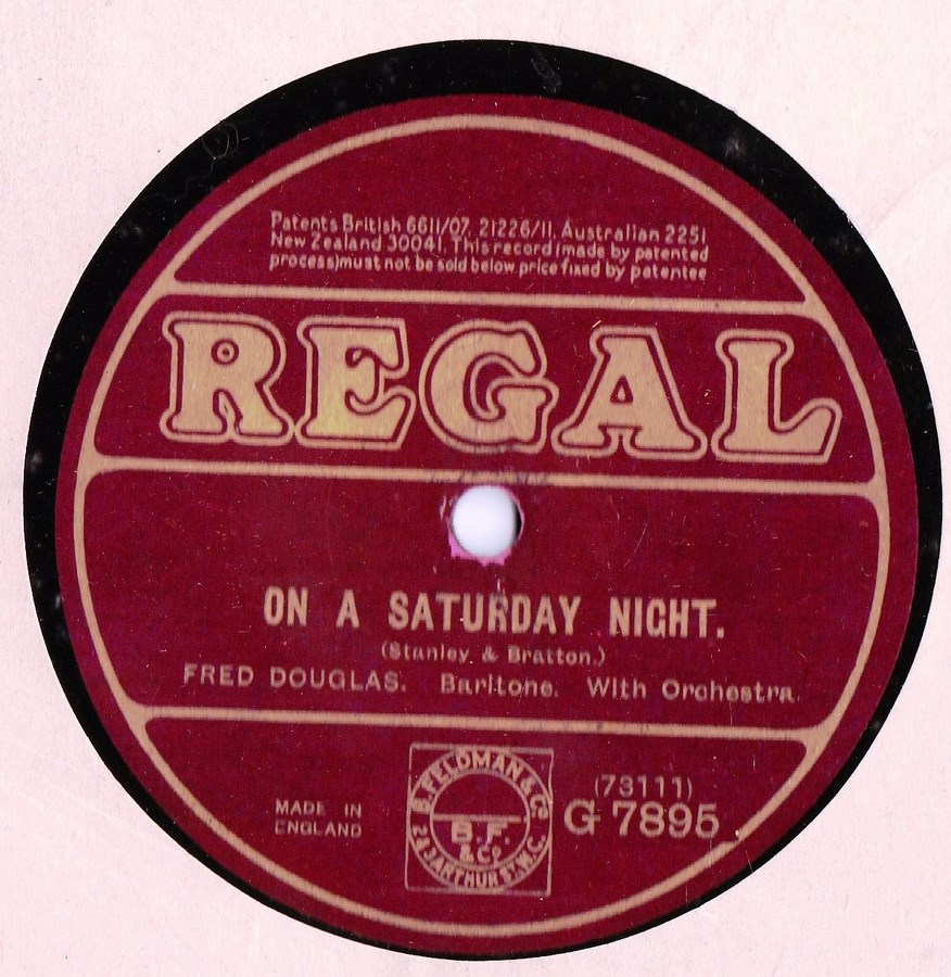 The Gilberts Comedians - Tell her at Twilight - Regal G.7895