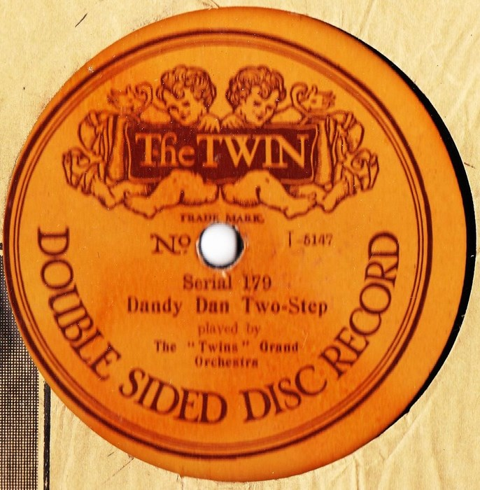 The Twins Grand Orchestra - Dandy Dan - The Twin 179