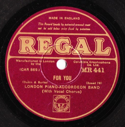London Piano Accordeon Band - For You - Regal MR 441