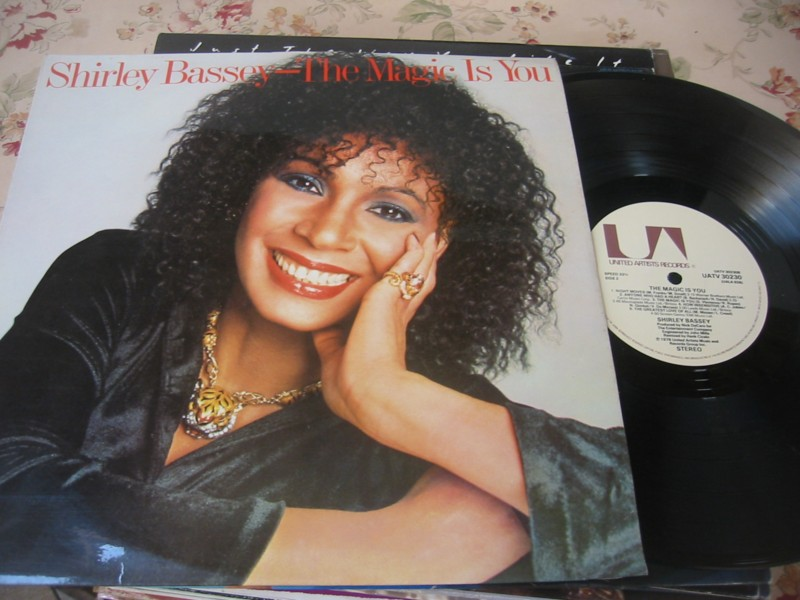 SHIRLEY BASSEY - THE MAGIC IS YOU - 1979 UK
