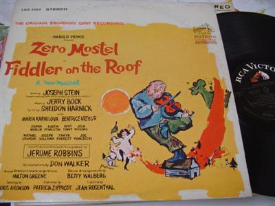 FIDDLER ON THE ROOF - ZERO MOSTEL - RCA { 74