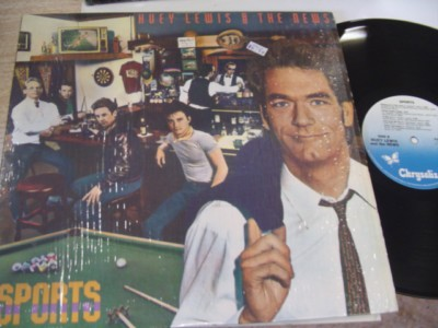 HUEY LEWIS & NEWS - SPORTS - CHRYSLAIS { AF 715