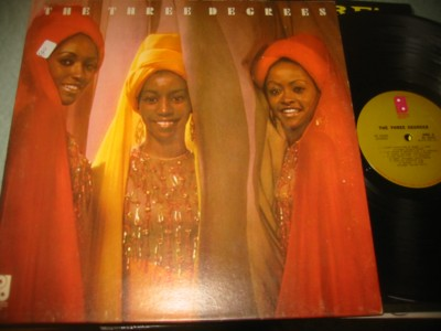 THE THREE DEGREES - SELF TITLE - PHILADELPHIA { J 1152